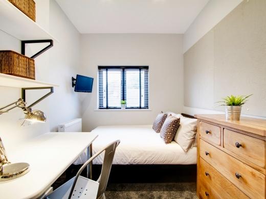 87 Kimbolton Avenue 6 Bedroom Nottingham Student House Bedroom 1