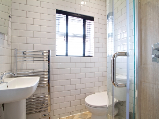 13 Cawdor Road 6 Bedroom Manchester Student House Bathroom 4