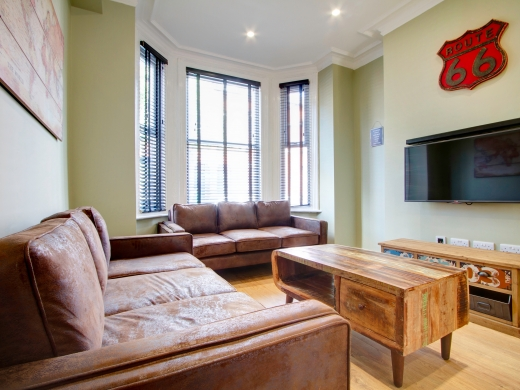 13 Cawdor Road 6 Bedroom Manchester Student House Living Room 2