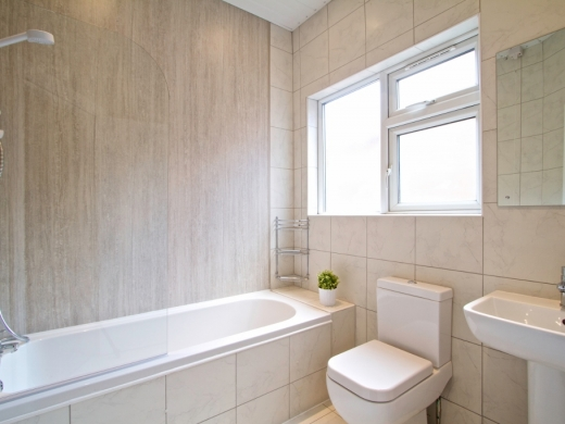 21 Booth Avenue 6 Bedroom Manchester Student House Bathroom 5