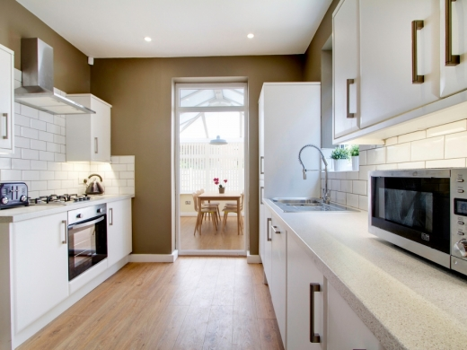 21 Booth Avenue 6 Bedroom Manchester Student House Kitchen 2