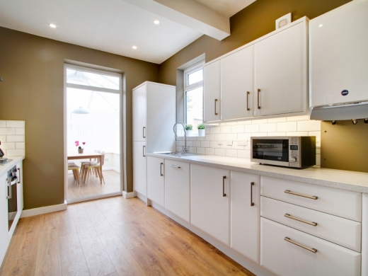 21 Booth Avenue 6 Bedroom Manchester Student House Kitchen 1