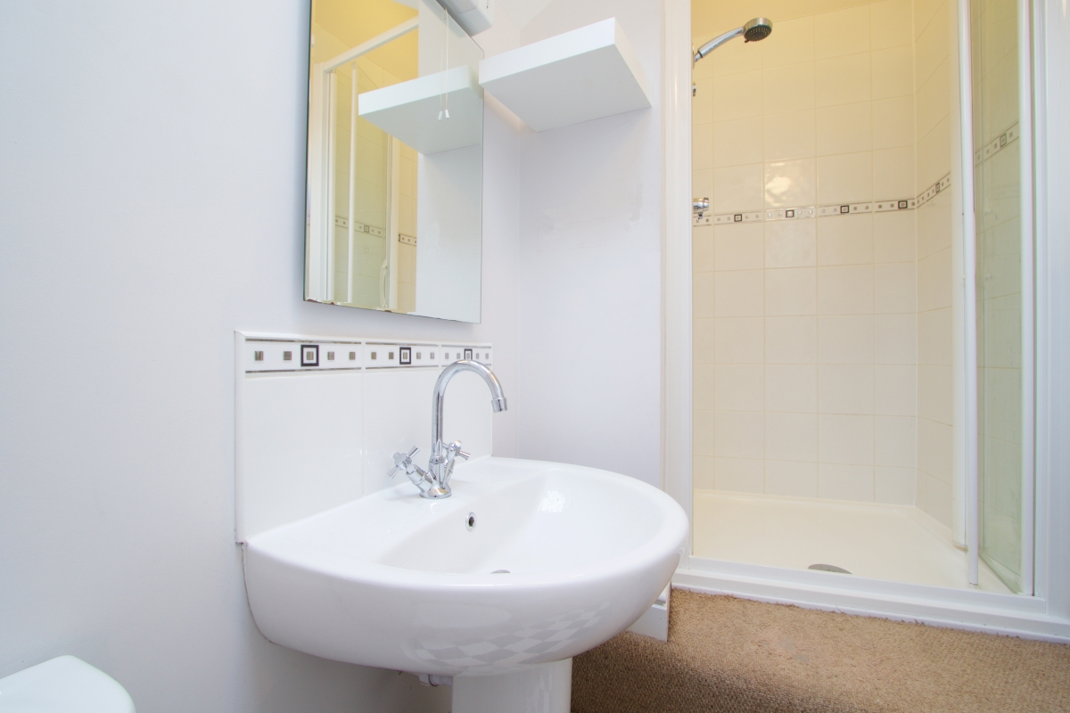 Bathroom Sinks Nottingham 37 grove road lenton nottingham student house | student cribs
