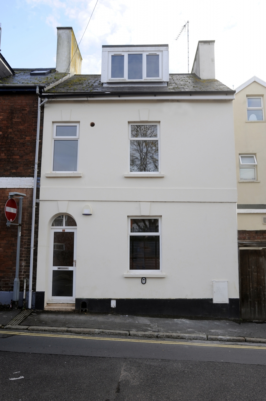 52 Howell Road, Exeter