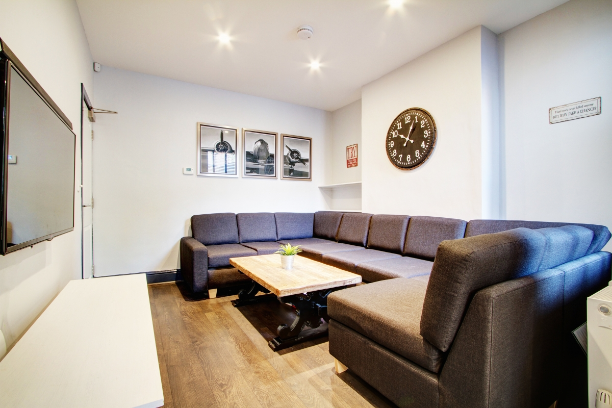 Living Room Nottingham 87 kimbolton avenue| 6 bedroom nottingham student house | student