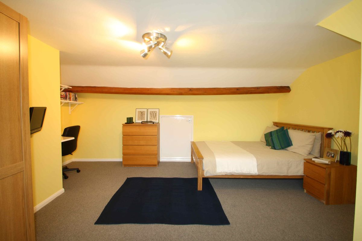 17YR Bedroom3