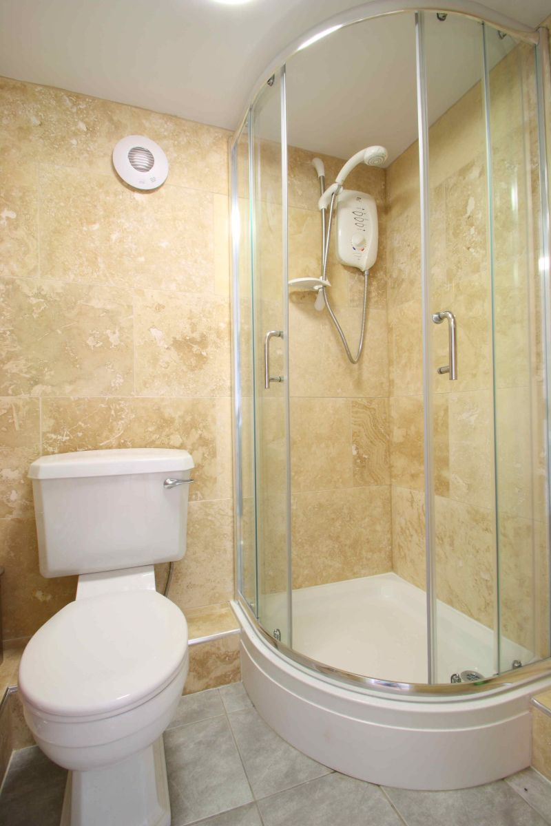122PR Shower Room