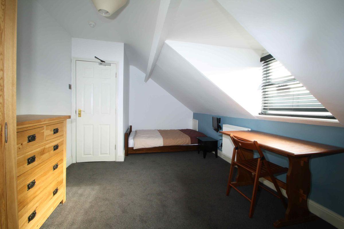 122PR Bedroom 4