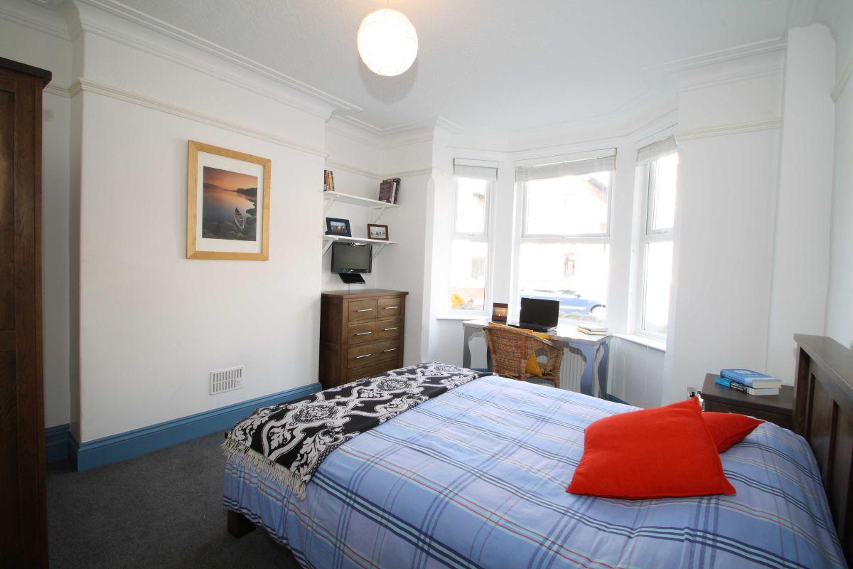 DA Bedroom 1