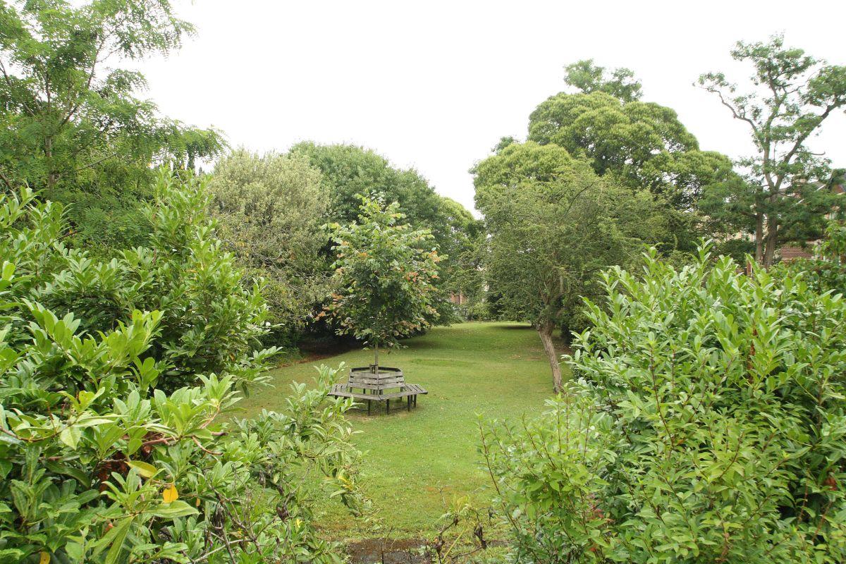 28pc garden