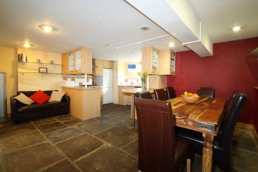 18 Consort Terrace 6 Bedroom Leeds Student House Kitchen
