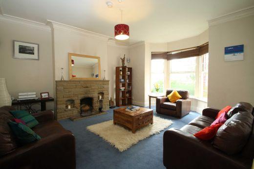 18 Consort Terrace 6 Bedroom Leeds Student House Living Room