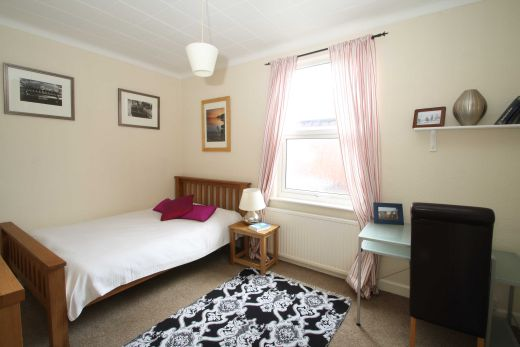 1 Ashville Road 4 Bedroom Leeds Student House Bedroom 2