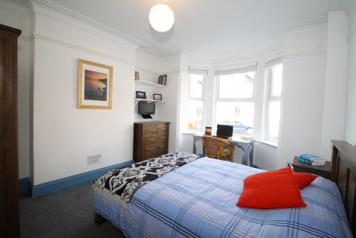 25 Dunlop Avenue 5 Bedroom Nottingham Student House Bedroom 1