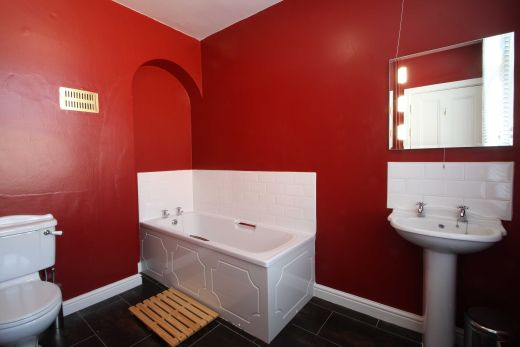 67a Cromwell Street 10 Bedroom Nottingham Student House bathroom 3