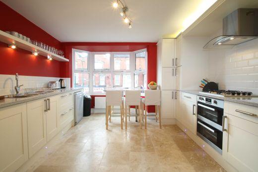 62 Lenton Boulevard 6 Bedroom Nottingham Student House Kitchen 2