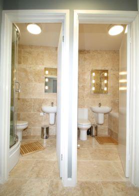 62 Lenton Boulevard 6 Bedroom Nottingham Student House bathroom 2