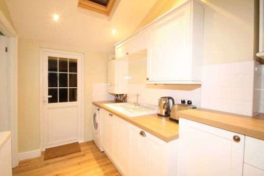 34 Prospect Place Cirencester Student House Kitchen 2