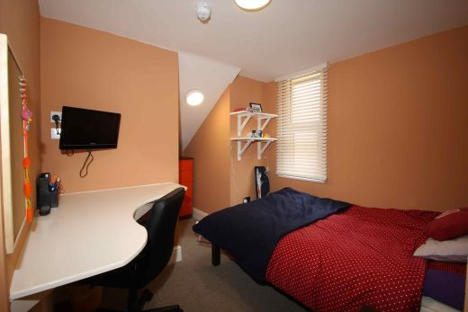 Waverley Street 4 Bedroom Nottingham Student House bedroom 3