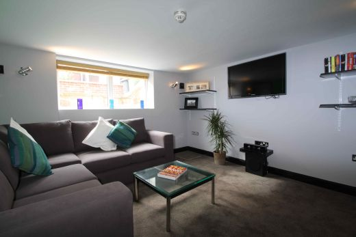 16 Norwood Place 5 Bedroom Leeds Student House living room 1