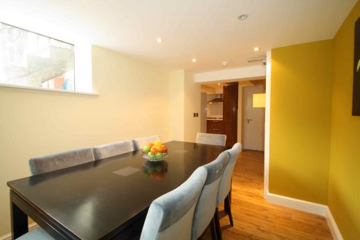 91 Lenton Boulevard 8 Bedroom Nottingham Student House dining room 2