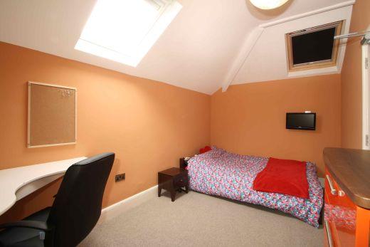 Waverley Street 6 Bedroom Nottingham Student House bedroom 1