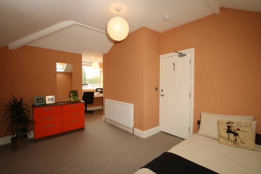 Waverley Street 6 Bedroom Nottingham Student House bedroom 2