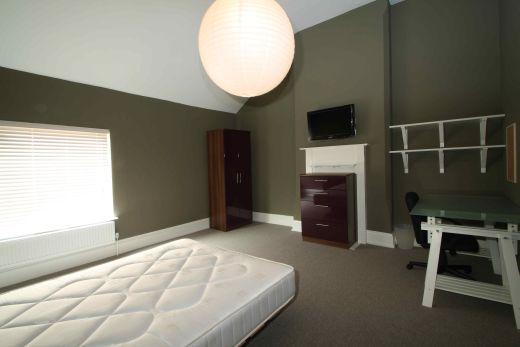 Waverley Street 6 Bedroom Nottingham Student House Bedroom 4