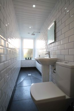 70 Waverley Road Redland Student House Bathroom