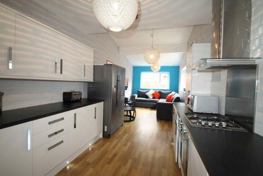 40 Cawdor Road 6 Bedroom Manchester Student House Kitchen