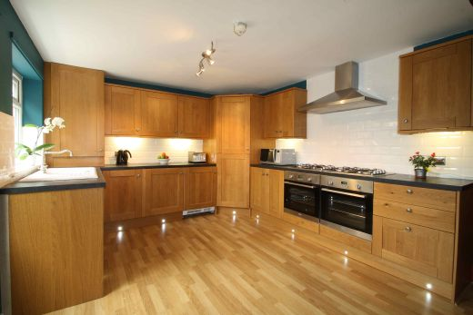 16 Cawdor Road 8 Bedroom Manchester Student House Kitchen