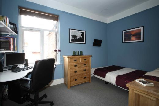 16 Cawdor Road 8 Bedroom Manchester Student House Bedroom 1