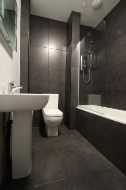 9 Cawdor Road 9 Bedroom Manchester Student House Bathroom 1