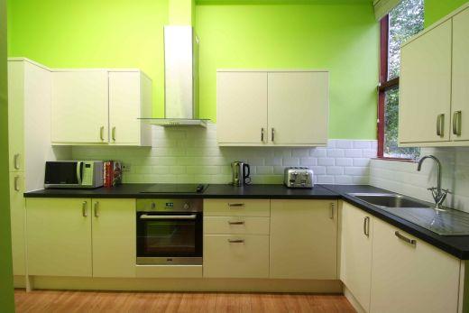 Flat 2, 17 Ladybarn Road Manchester Student House kitchen 3