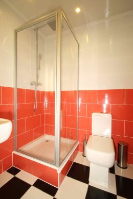 Flat 3, 17 Ladybarn Road Manchester Student House Bathroom