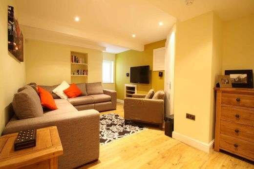 87 Lenton Boulevard 8 Bedroom Nottingham Student House living room 1