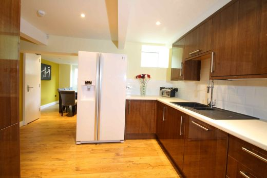 87 Lenton Boulevard 8 Bedroom Nottingham Student House kitchen 1