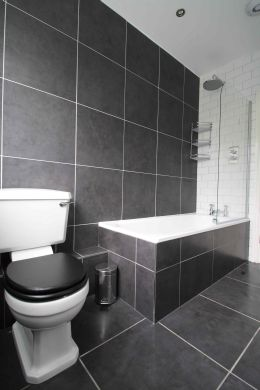 87 Lenton Boulevard 8 Bedroom Nottingham Student House bathroom 1