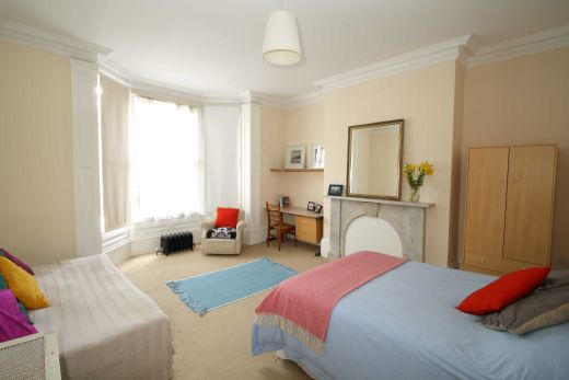 30 Cliff Road 5 Bedroom Leeds Student House bedroom 3