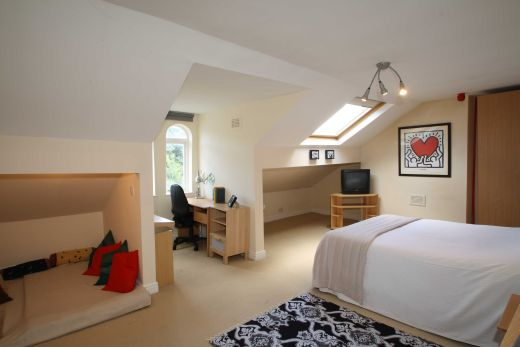 30 Cliff Road 5 Bedroom Leeds Student House bedroom 1