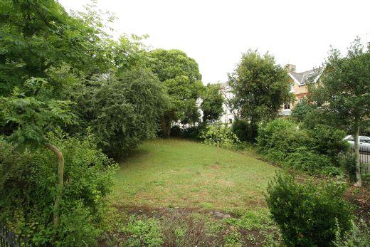 28 Powderham Crescent 6 bedroom Exeter Pennsylvania student house Garden 1