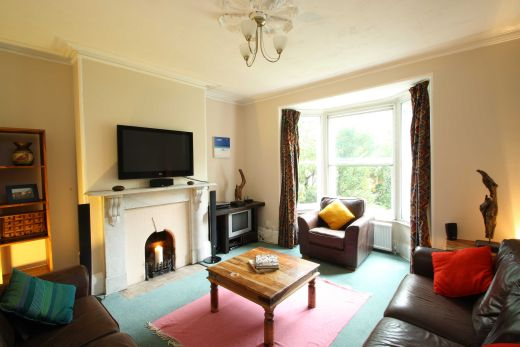17 Devonshire Place 6 bedroom Pennsylvania, Exeter student house living room 1