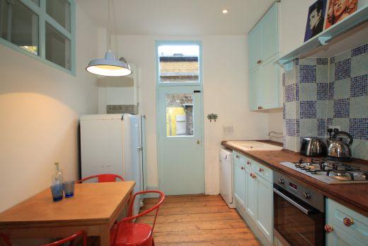 246 Gray's Inn Road 4 Bedroom London Student House Kitchen 1