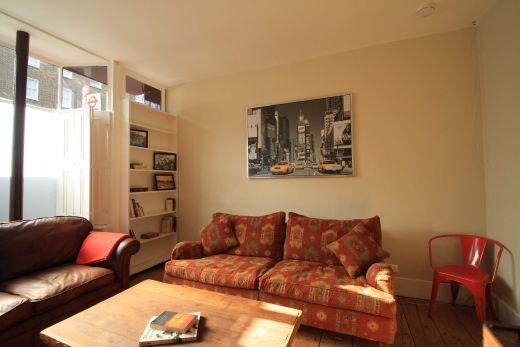 246 Gray's Inn Road 4 Bedroom London Student House Living Room 2