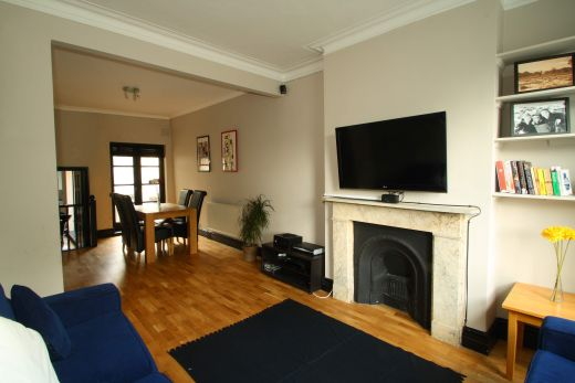 28 Meadow Place 4 Bedroom London Student House Living Room 2