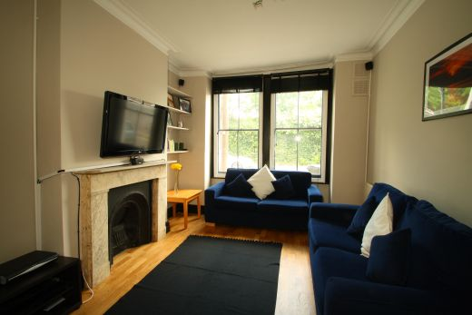 28 Meadow Place 4 Bedroom London Student House Living Room 1