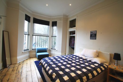 19 Kensington Terrace 6 Bedroom Leeds Student House bedroom