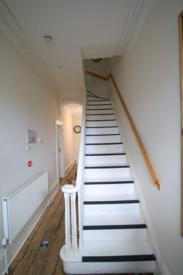 19 Kensington Terrace 6 Bedroom Leeds Student House staircase
