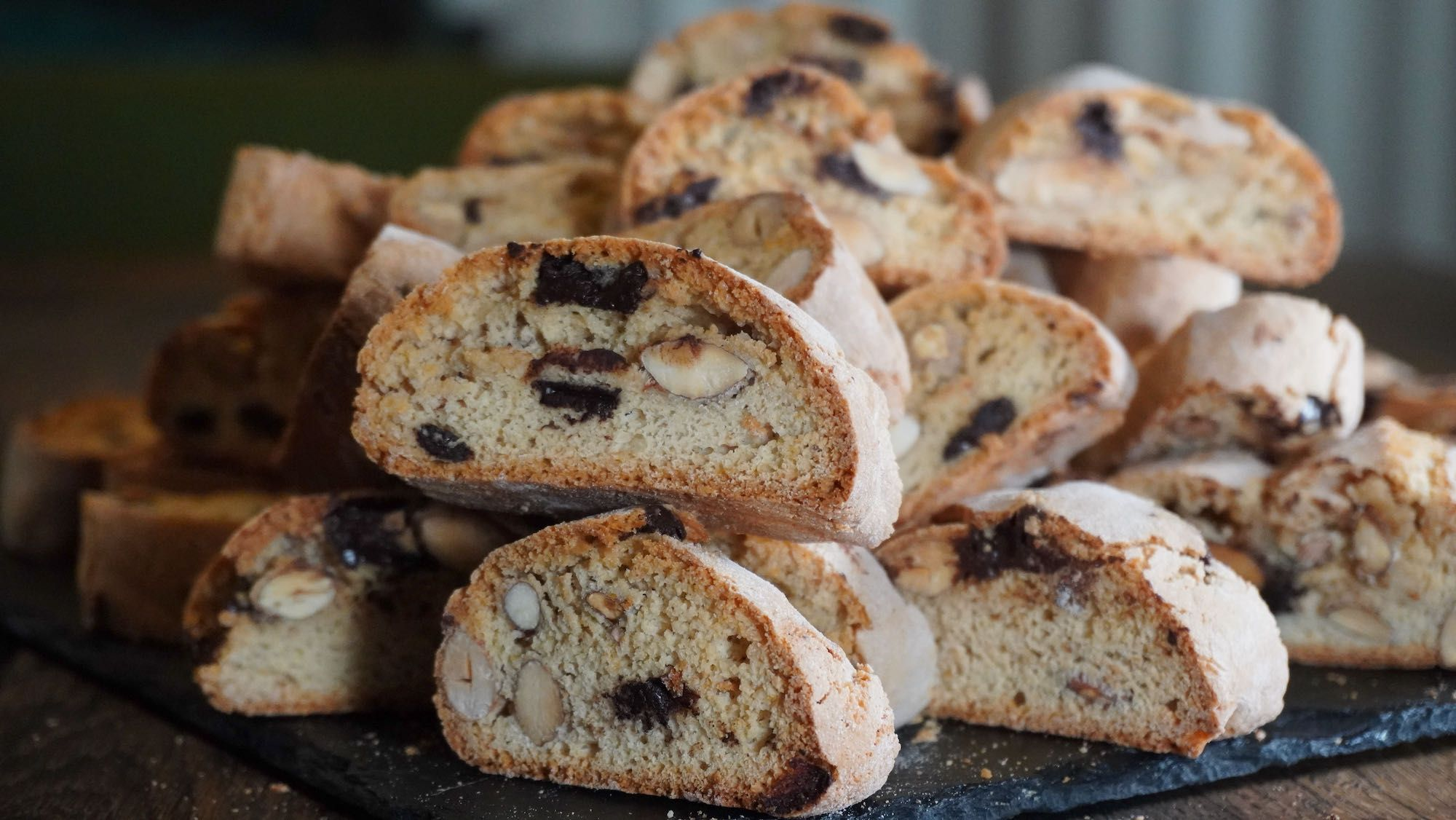 How to Make Easy Spelt Biscotti with chocolate
