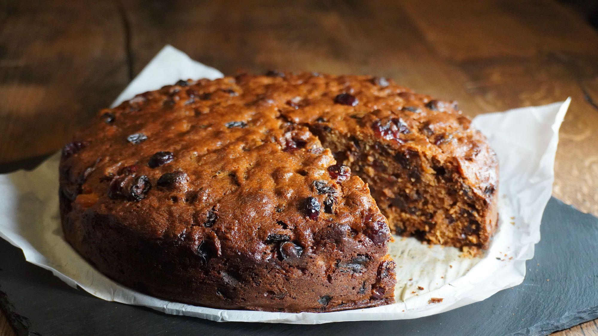 Simple Spelt Fruit Cake no peel – baking gift idea
